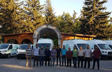 Kayseri Büyükşehir Belediyesi Yılların Tercübesinden Vazgeçmedi 3 Adet 3 Cenaze Kapasiteli Cenaze Nakil Aracı Ve 4 Adet Panel Van Cenaze Yıkama Aracı Teslim Edildi