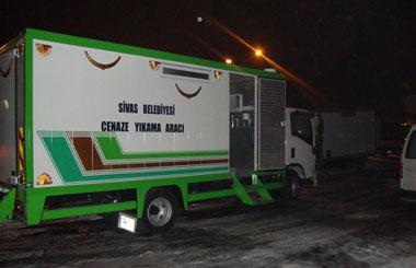 Sivas Belediyesine Araç Üstü Ekipmanlı Cenaze Yıkama Aracı